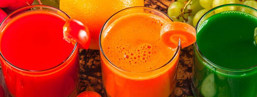 3 gemüse und obst juices - green smoothies